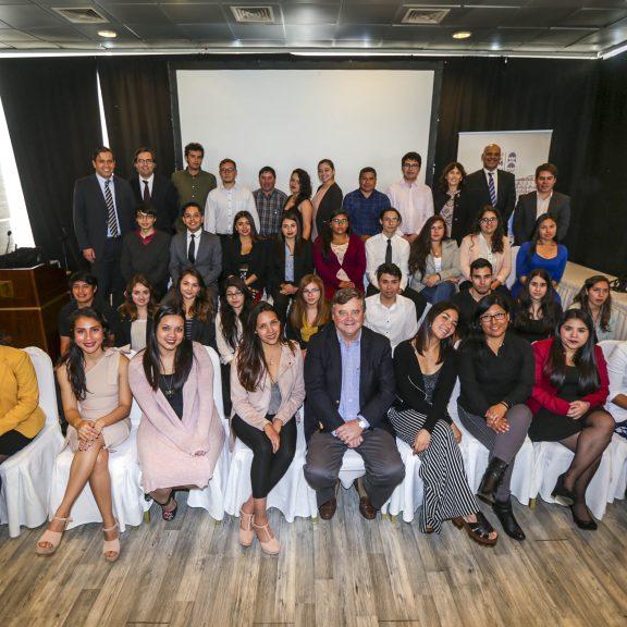 Programa de becas SQM benefició a 96 estudiantes