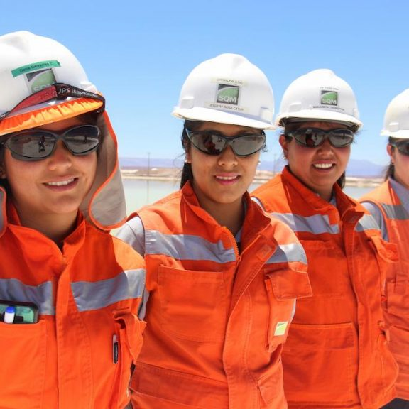 SQM Boosts Percentage of Female Staff to 16,1%