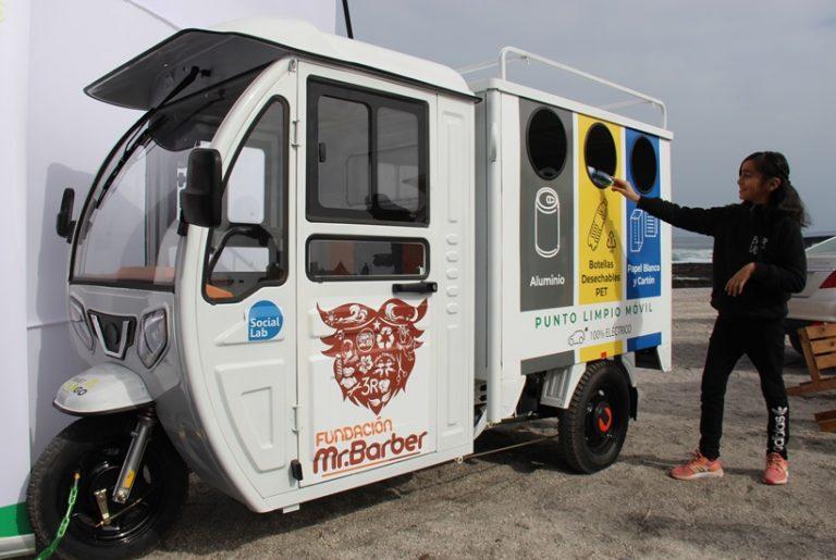 María Elena estrena moto eléctrica que funcionará como punto de reciclaje