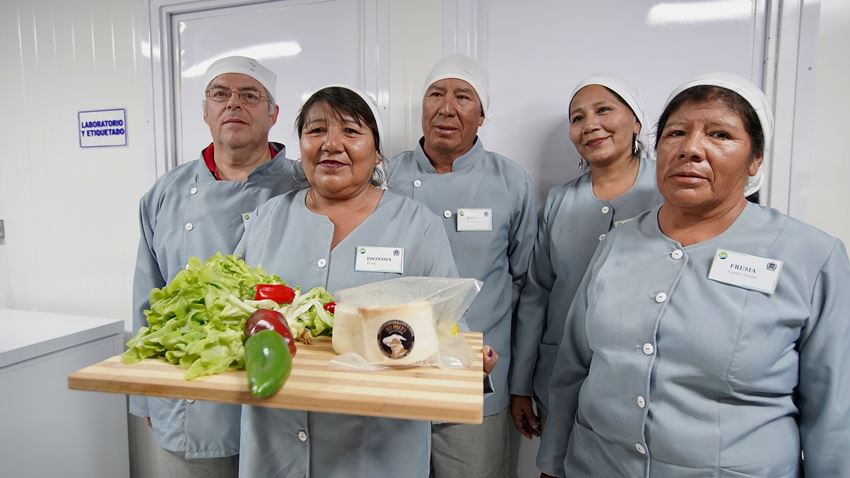 Pozo Almonte Farmers and Ranchers Inaugurate Farming Research and Development Center