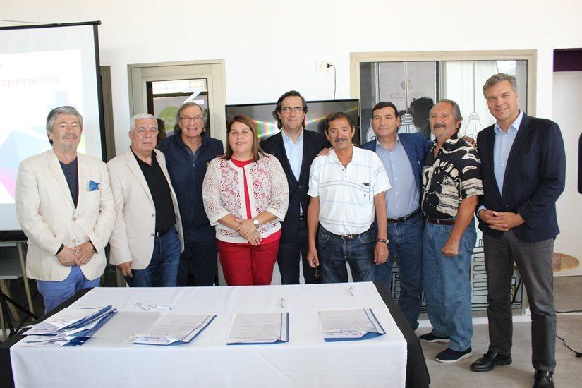Emprendedores de Tocopilla y María Elena potenciarán sus negocios a través de un convenio de cooperación