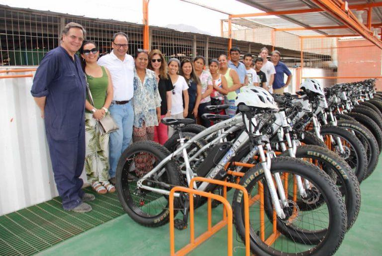 SQM entregó bicicletas eléctricas a Centro de Formación Técnica de campamento Luz Divina