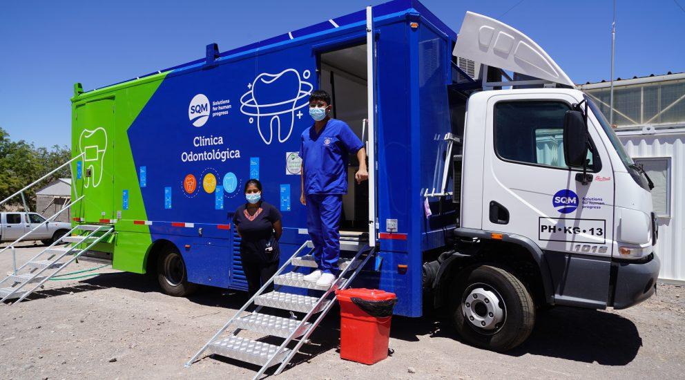 SQM implementa una Clínica Dental Móvil que atiende de forma gratuita a comunidades del Salar de Atacama