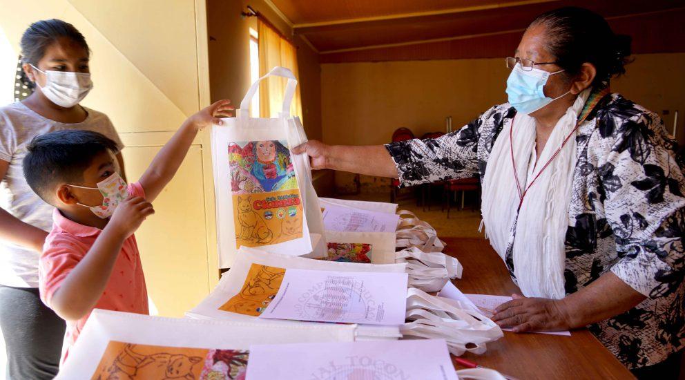 Niños y niñas de Toconao estudian el ckunza, su lengua originaria