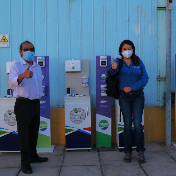 SQM entregó lavamanos portátiles a establecimiento educativo de María Elena