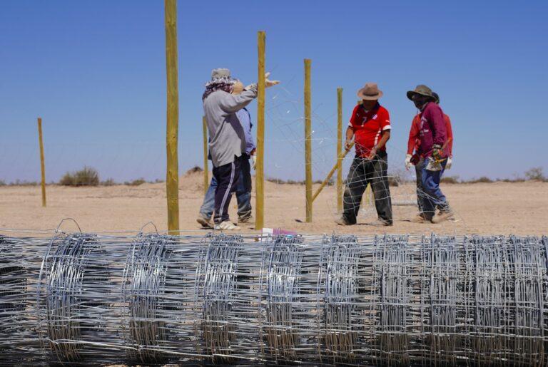(Español) Ganaderos de la Pampa del Tamarugal avanzan en la construcción de Centro Productivo de Alfalfa